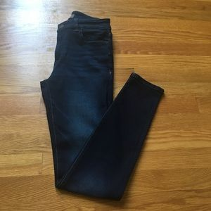 DL1961 Dark Wash Skinny Jean With Fading on Thighs